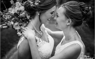 Barn Wedding in Hampshire – Rachael & Stephanie