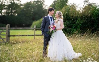 Barn Wedding in Hampshire – Francesca & Tom
