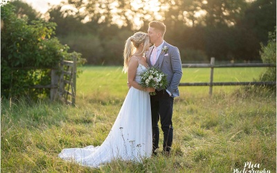 Clock Barn in Hampshire  – Izzy & Dan